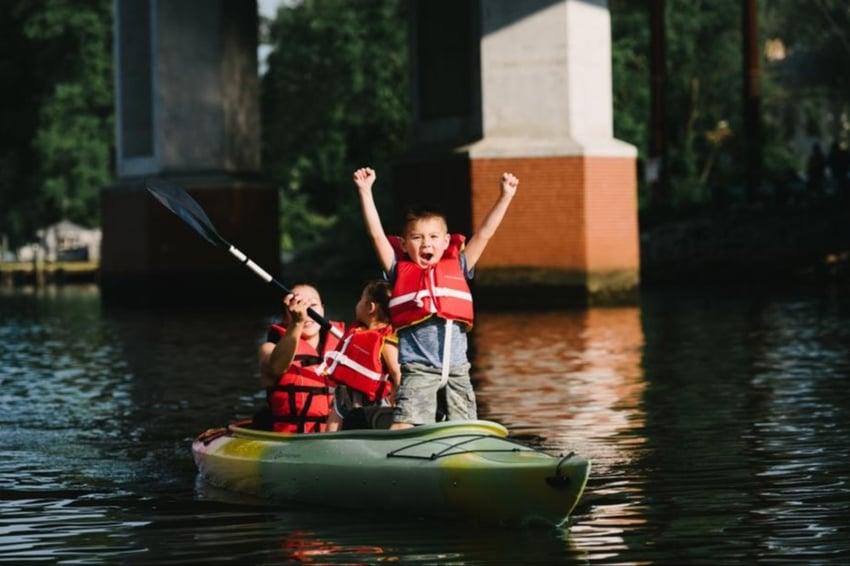 Kayaking_in_Occoquan_25faac26-c409-4926-b148-3c9abe69d687-1-1